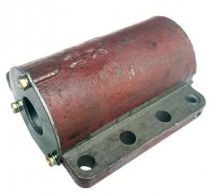 Блок масляного цилиндра без штуцера (с крышкой) МТ-220\МТ-240